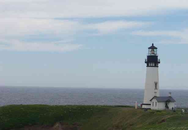 """Is """"To the Lighthouse"""" principally James Ramsay's Story?"""