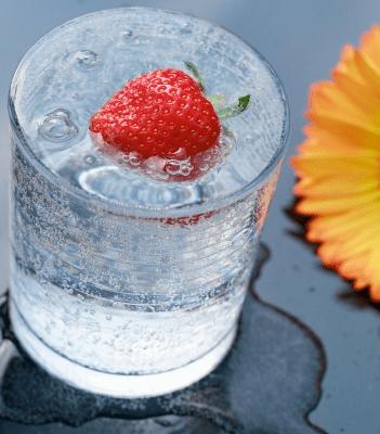 Recipe: Strawberry Vodka Spritzer