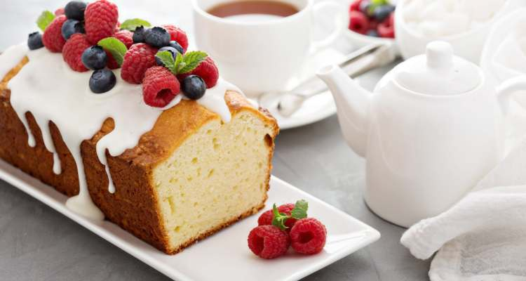 7 Tips for Baking a Perfect Pound Cake | www.asliceofheavencakesclassroom.com