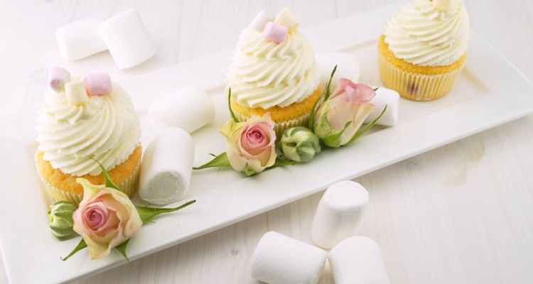 how to frost cupcakes