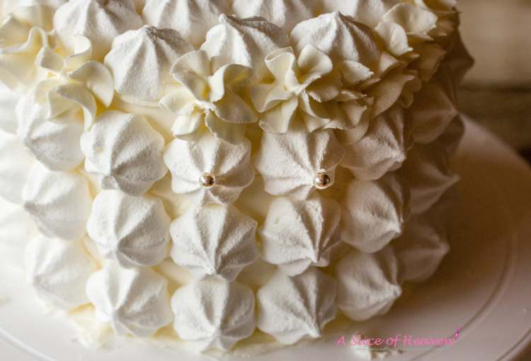 Silver pearls on the tips of the meringues