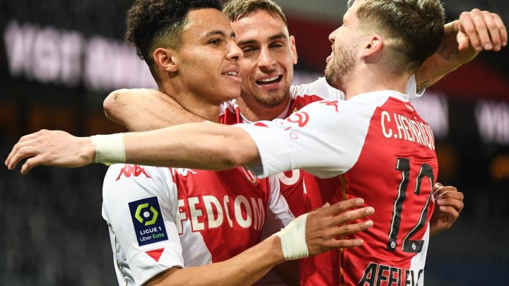 Monaco s'impose à Paris (2-0)