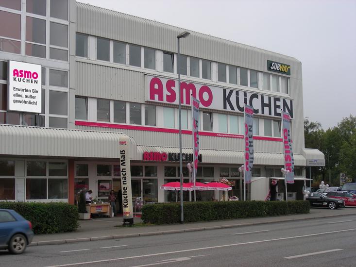 Markenküchen für Ingolstadt und Umgebung finden Sie bei ASMO Küchen in der Eriagstraße 2