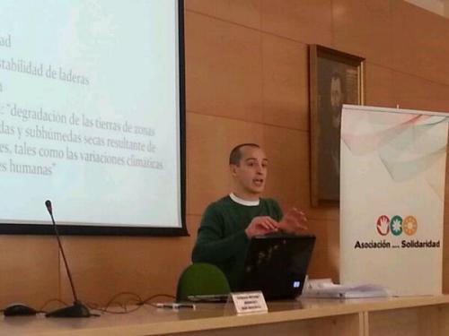 Mario Navas durante su ponencia (Foto: @asolidaridad)