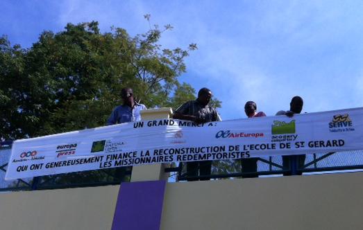 Cartel de agradecimiento en la Escuela San Gerardo de Puerto Príncipe (Haití)