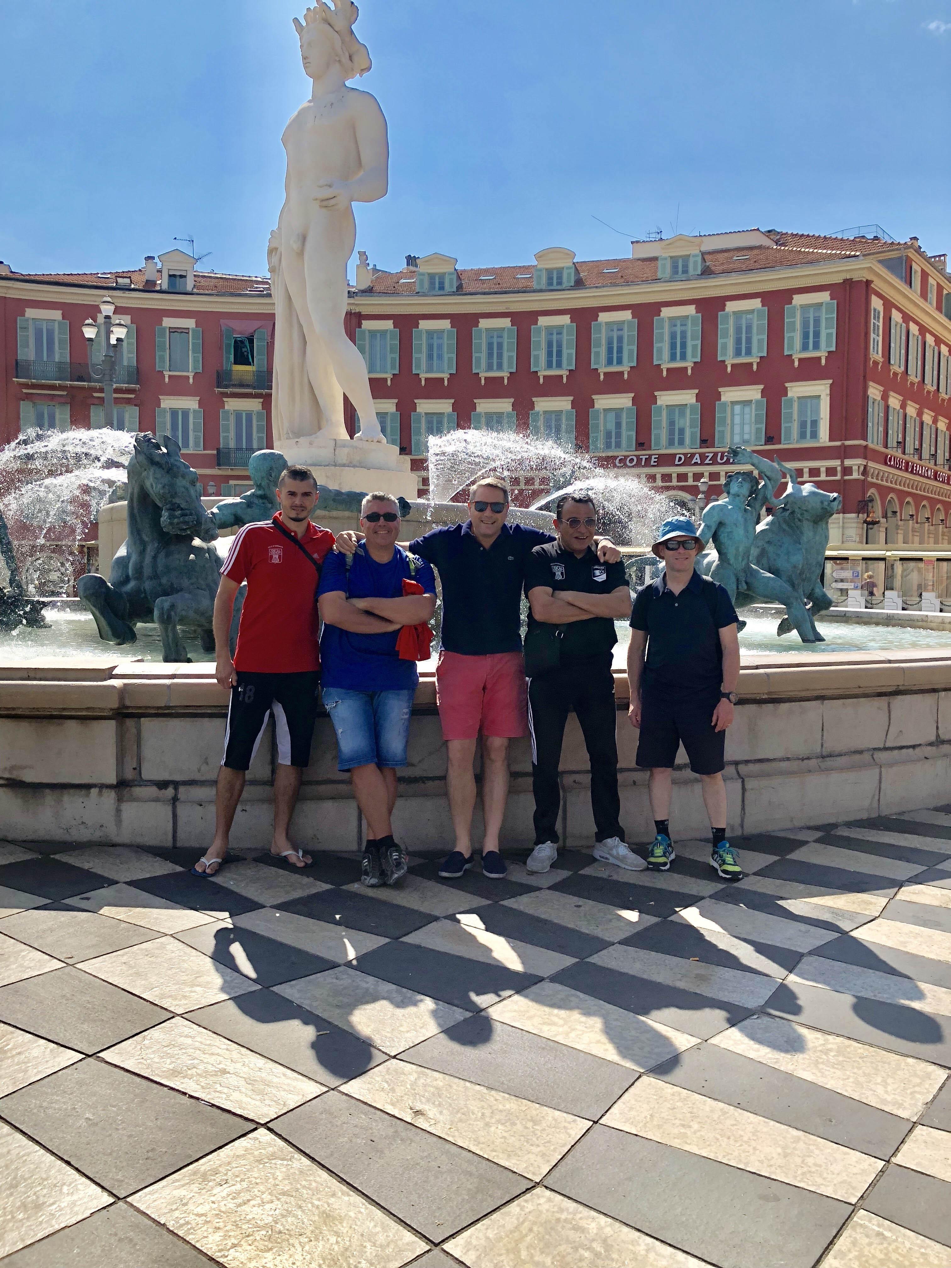 Photo des dirigeants et accompagnateurs de l'AS Ornansleur du tournoi de la Nice Cup U13 2018