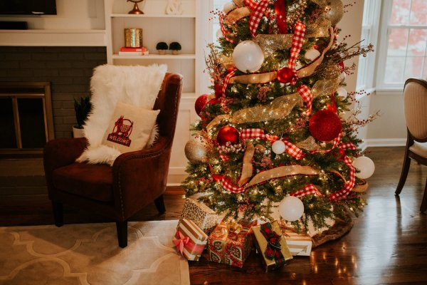 christmas decoration Family Room Decor Reveal with Overstock   A Southern Drawl