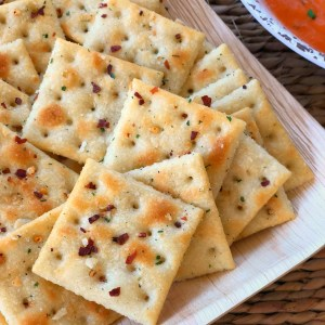 ranch fire crackers with red pepper for saltines