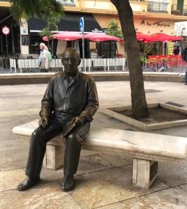 Statua Pablo Picasso Málaga- aspassoperlaspagna.it