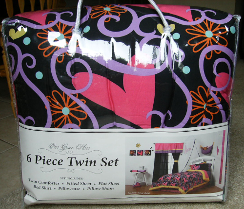 One Grace Place Kid's Bedding Review and Giveaway