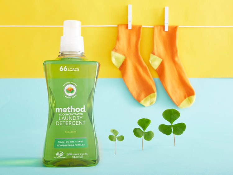 Keeping Those New Clothes Looking New with method Laundry Detergent - Plus a FREE Laundry Room Printable!