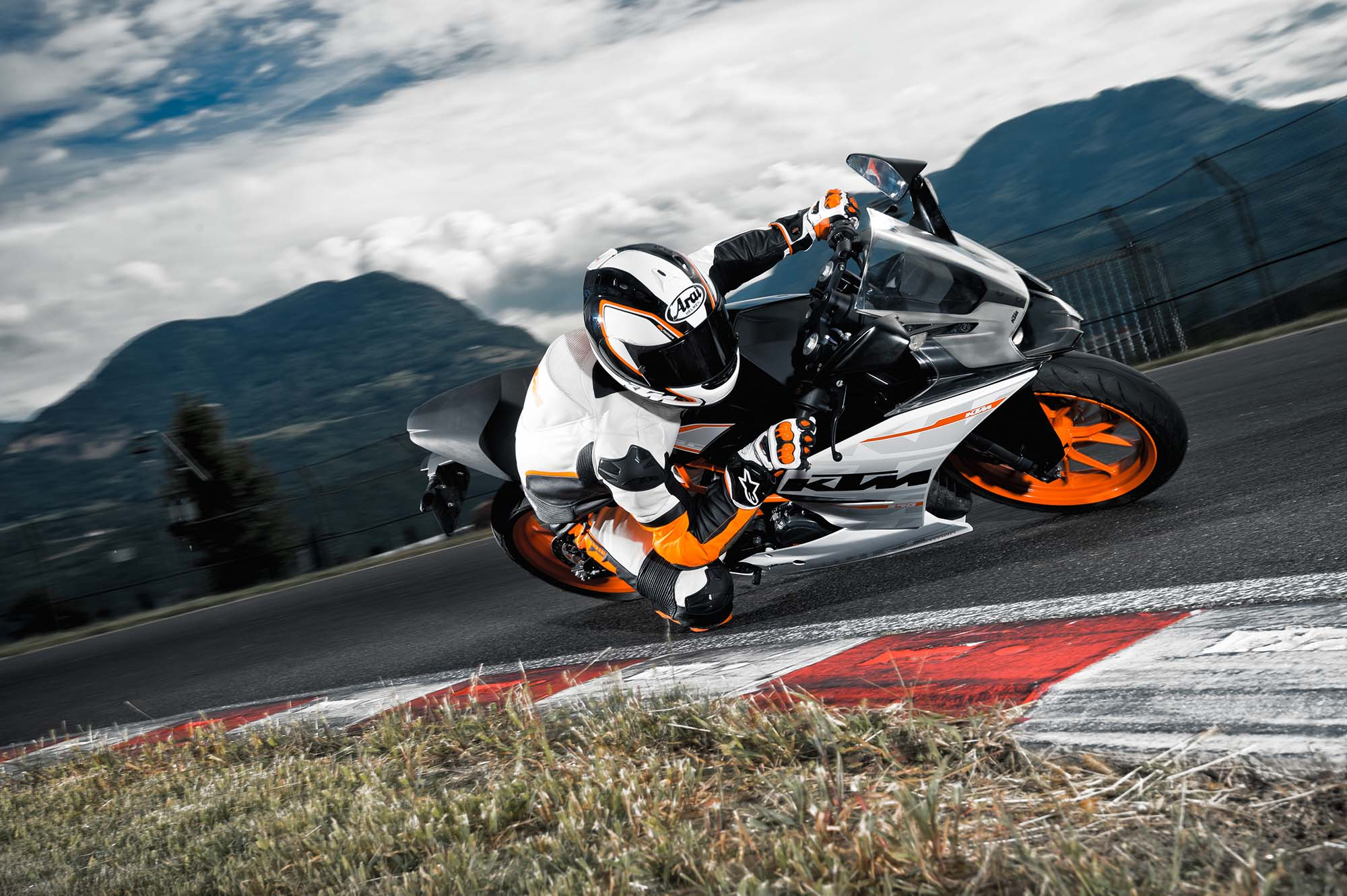 Ktm Rc 200 Wallpapers Cool Bike Pictures