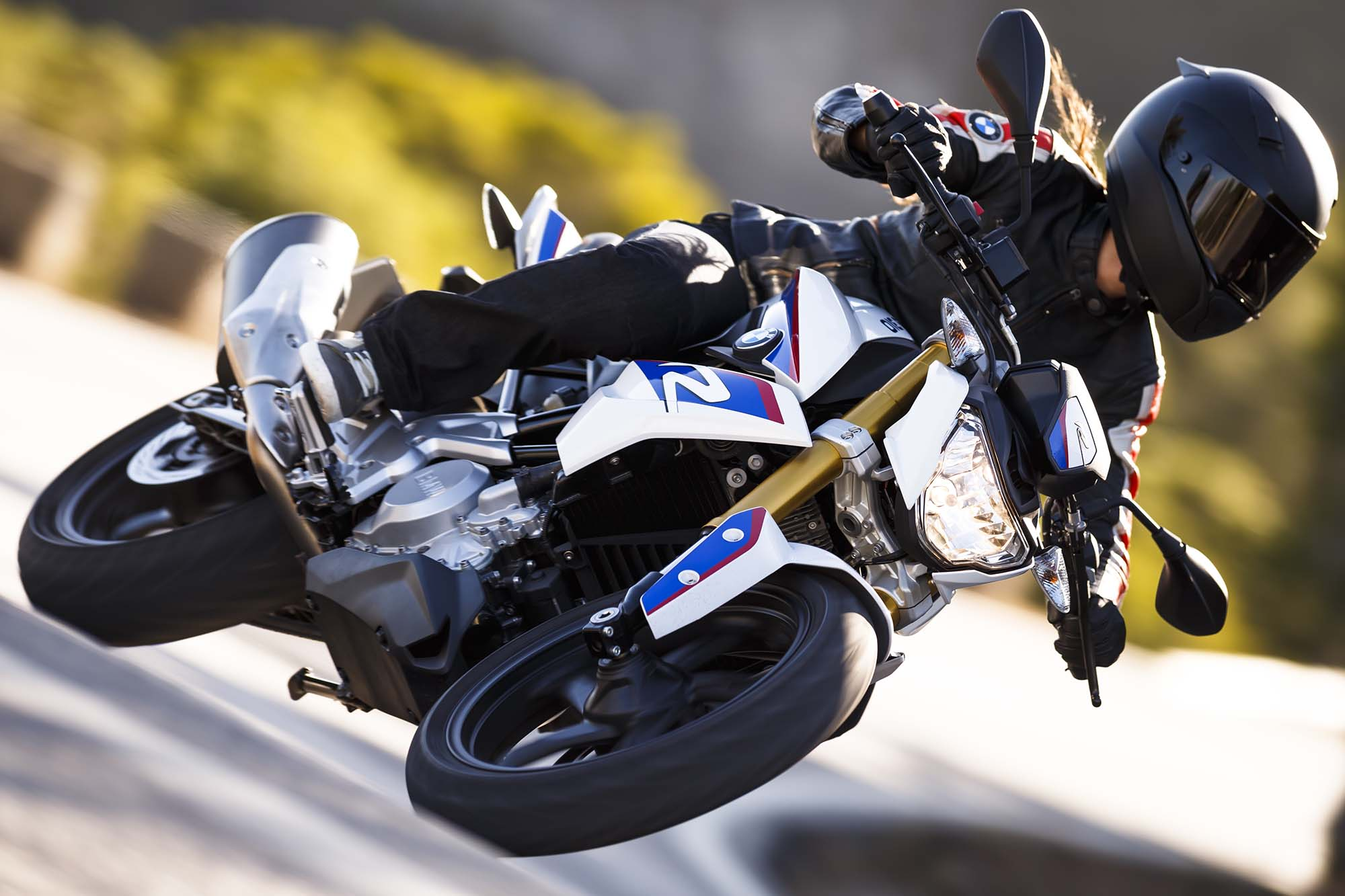 2016 BMW G310R Debuts for New Riders