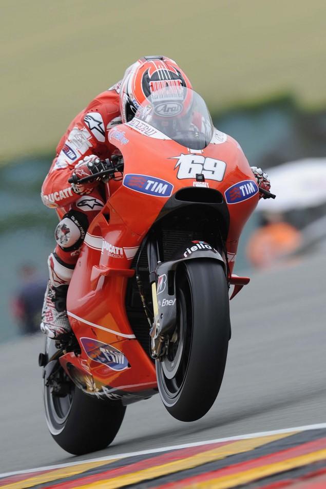 Ducati-Desmosedici-GP10-wings-Sachsenring-02