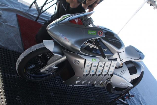 2010-MotoCzysz-E1pc-Bonneville-Salt-Flats-LSR-03