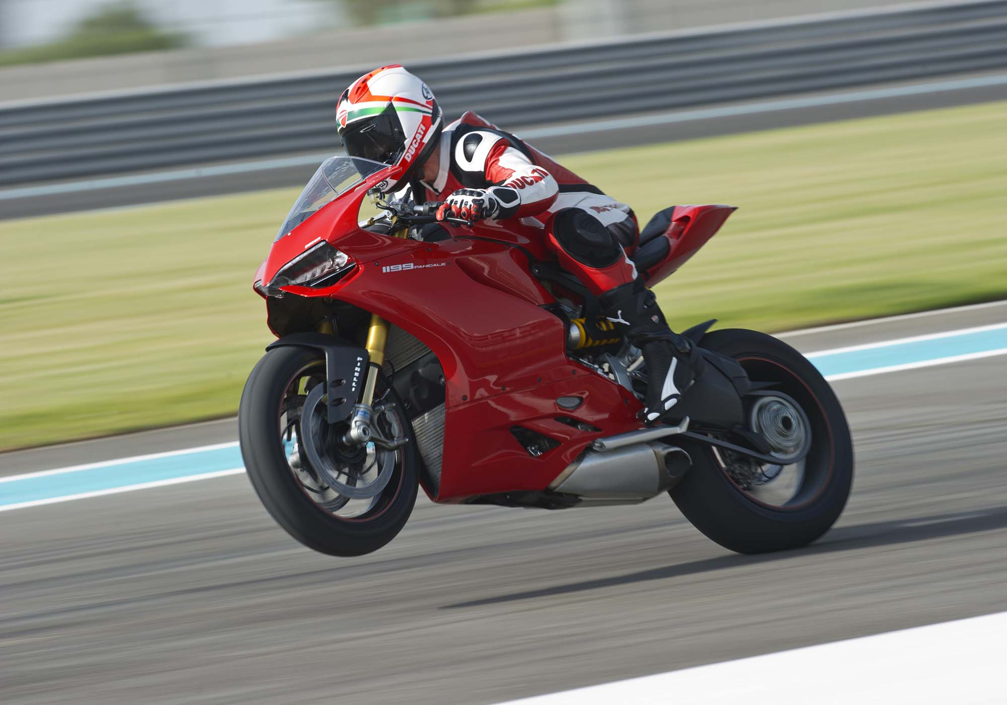 yas marina circuit troy bayliss ducati 1199 panigale s asphalt rubber. Black Bedroom Furniture Sets. Home Design Ideas