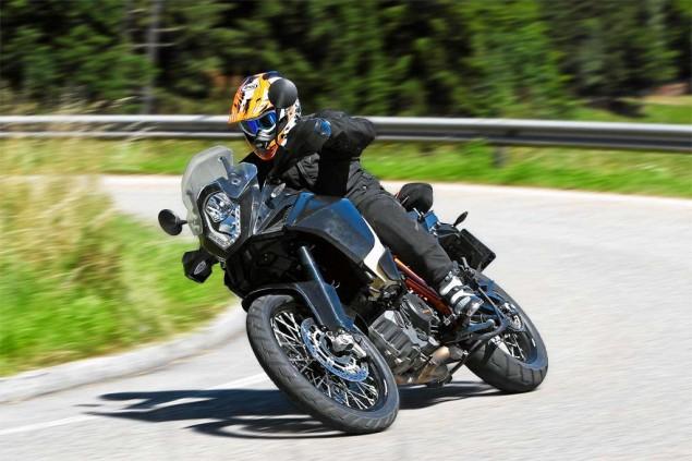 Details Drop on the 2013 KTM 1190 Adventure R 2013 KTM 1190 Adventure R Motorrad test 01 635x423