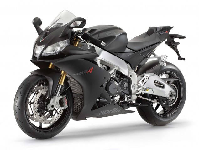 Photos: The 2013 Aprilia RSV4 R ABS in Matte Black Hi Res 2013 Aprilia RSV R ABS 16 635x481