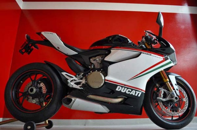 Ducati-1199-Panigale-S-Nero-Commonwealth-Motorcycles-17
