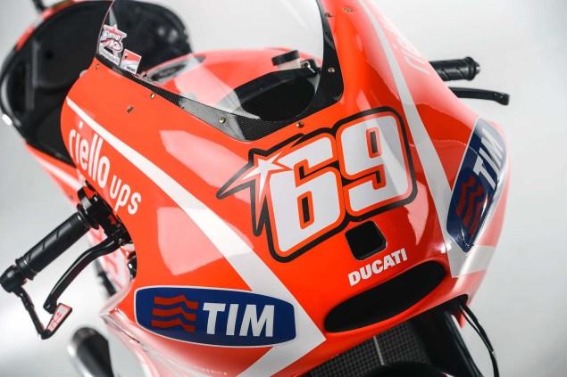 Nicky-Hayden-Andrea-Dovizioso-Ducati-Desmosedici-GP13-Wrooom-11