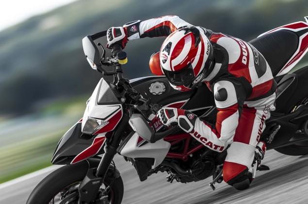 2013-Ducati-Hypermotard-action-photos-08