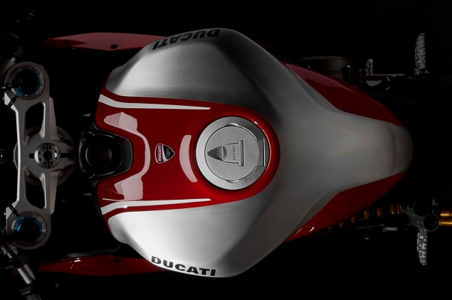 Ducati-1199-Panigale-R-Circuit-of-the-Americas-01