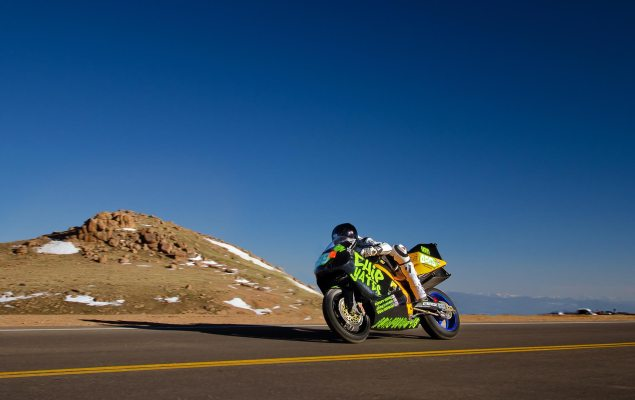 Chip-Yates-Pikes-Peak-electric-superbike
