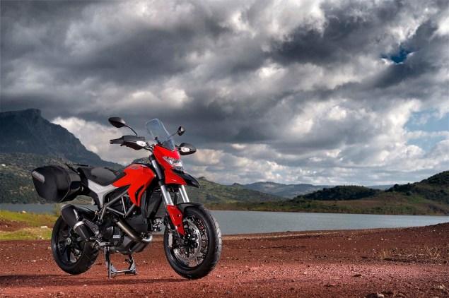 2013-Ducati-Hyperstrada-75