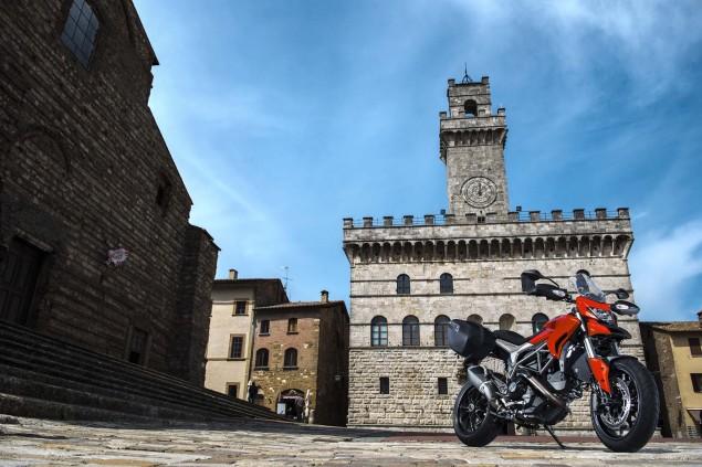 2013-Ducati-Hyperstrada-87