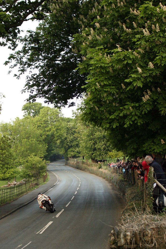 Conker-Fields-Isle-of-Man-TT-Richard-Mushet-05