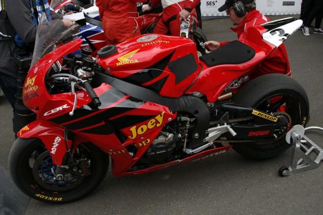 John-McGuinness-Joey-Dunlop-Honda-livery-IOMTT-Richard-Mushet-09