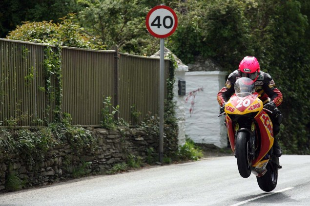 Supersport-Superstock-Ballaugh-Ballacrye-Isle-of-Man-TT-Richard-Mushet-14