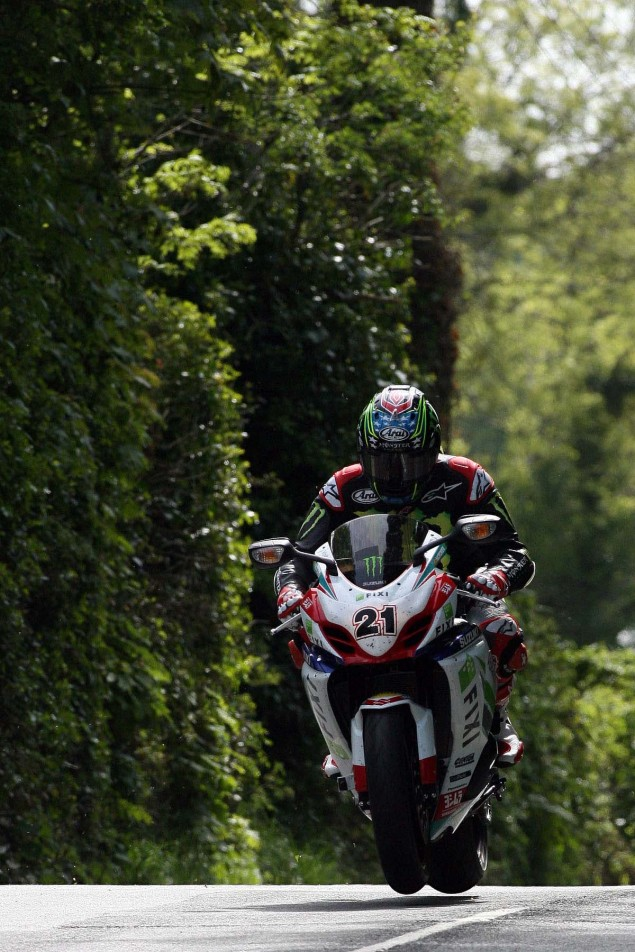 Supersport-Superstock-Ballaugh-Ballacrye-Isle-of-Man-TT-Richard-Mushet-21