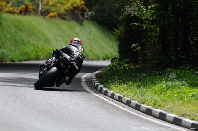Supersport-Superstock-race-Isle-of-Man-TT-Tony-Goldsmith-06