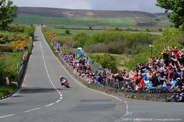 Supersport-Superstock-race-Isle-of-Man-TT-Tony-Goldsmith-08