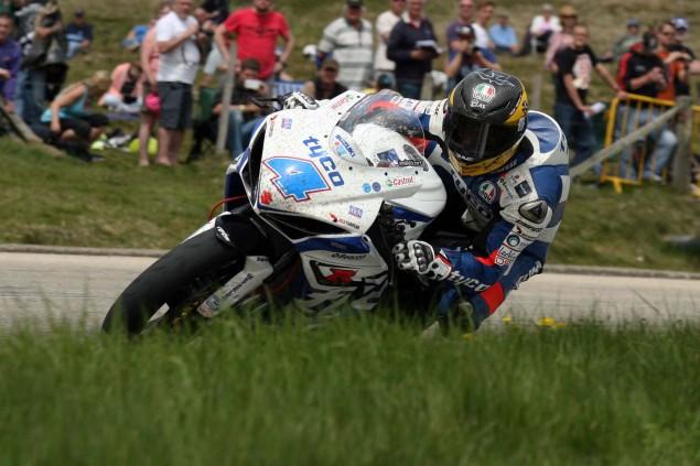 The-Bungalow-Supersport-TT-Zero-2013-Isle-of-Man-TT-Richard-Mushet-10
