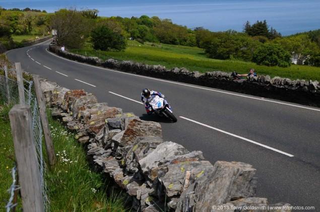 Trackside-Tuesday-Isle-of-Man-TT-2013-Tony-Goldsmith-03