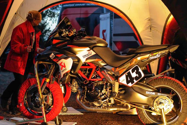 Spider-Grips-Ducati-Multistrada-1200-S-Pikes-Peak-race-bike-01