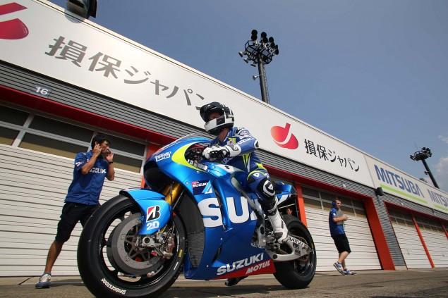 Suzuki-Racing-MotoGP-Motegi-test-11
