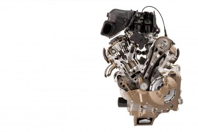 aprilia-rsv4-factory-engine-motor-cutaway-reversed