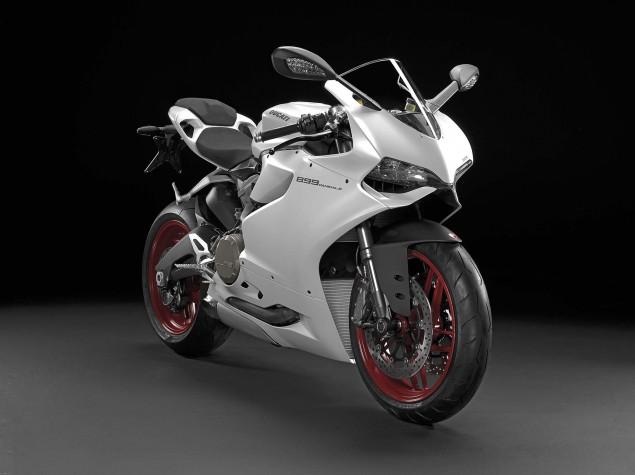 2014-Ducati-899-Panigale-studio-14