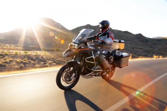 2014-BMW-R1200GS-Adventure-action-39