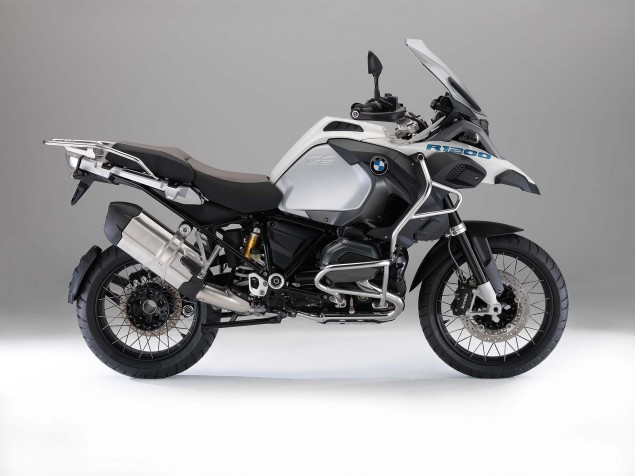 2014-BMW-R1200GS-Adventure-studio-06