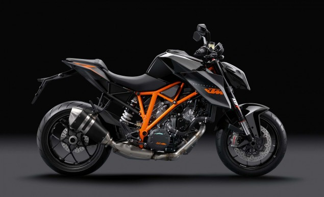2014-KTM-1290-Super-Duke-R-14
