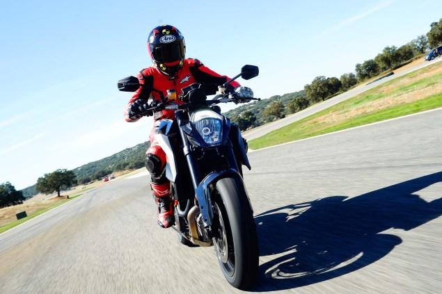 2014-KTM-1290-Super-Duke-R-Iwan-van-der-Valk-review-02