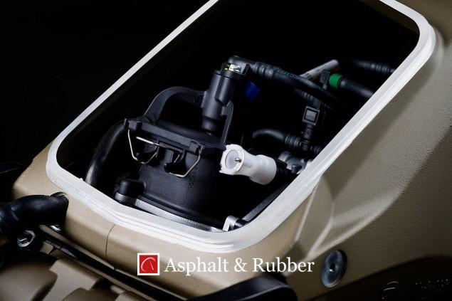 Ducati-1199-Panigale-R-Superleggera-leak-09