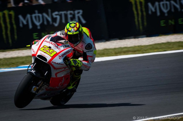 Saturday-Phillip-Island-MotoGP-2013-Scott-Jones-14