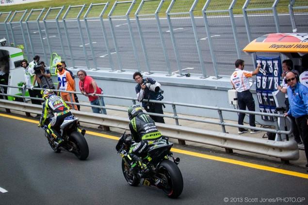 Sunday-Phillip-Island-Australian-GP-MotoGP-2013-Scott-Jones-02