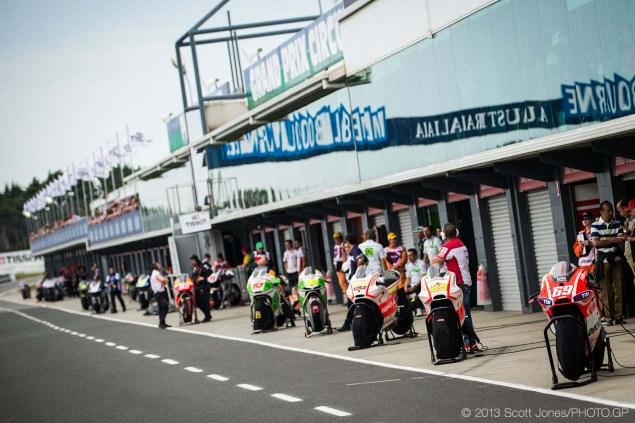 Sunday-Phillip-Island-Australian-GP-MotoGP-2013-Scott-Jones-10