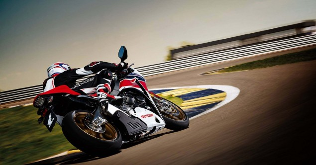 2014-Honda-CBR1000RR-SP-14